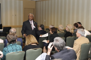 Tope Popoola speaking to business leaders in an international conference
